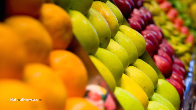 Плодове-пазар-портокали-круши-ябълки